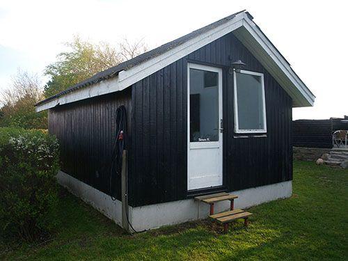 Fritids hus til salg på Samsø med hytte i haven