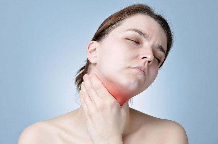 Zapalenie tarczycy typu Hashimoto to choroba autoimmunologiczna, która prowadzi do zniszczenia gruczołu tarczycowego.