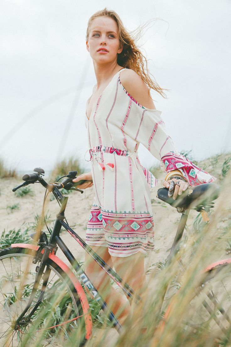 Boho mini dress: the ideal item for your holiday styles!