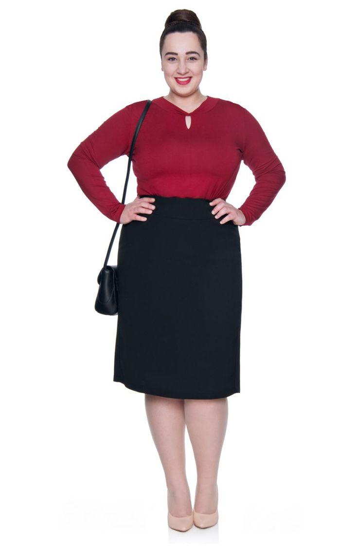 Czarna prosta spódnica z podszewką - Modne Duże Rozmiary