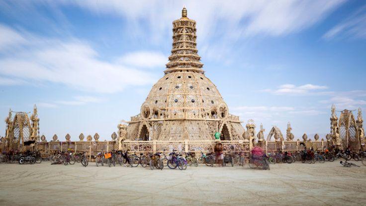 Burning Man: conheça os templos queimados de um festival bastante espiritual