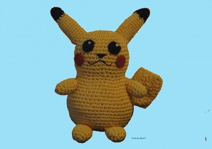 Hermoso muñeco tejido al crochet en hilo con relleno de vellón siliconado.<br />  Tamaño 30 cm.<br />  Se realizan por pedido