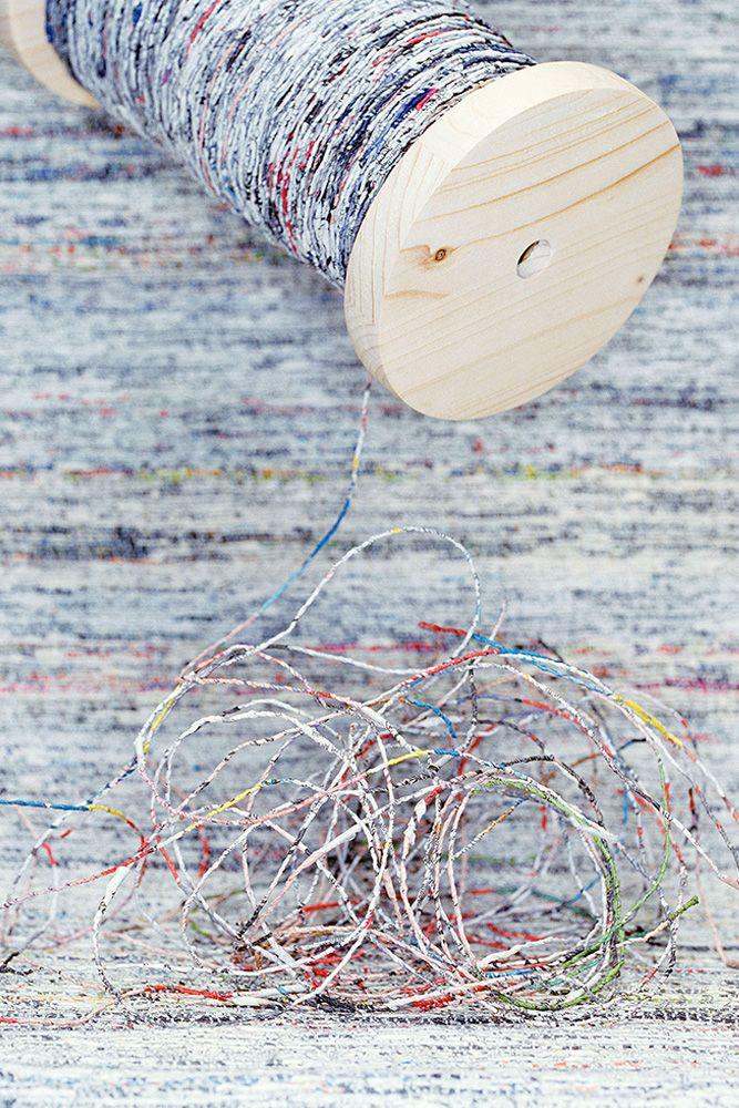 Newspaper yarn | Studio Greetje van Tiem