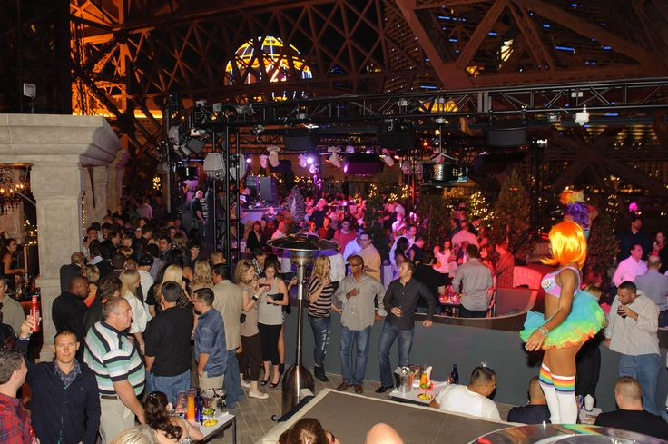 Chateau nightclub and gardens has a premium nightlife spot on Las Vegas strip. Exciting rooftop dance floor, four service section, high energy lighting and panoramic view of #Vegas. Situated in Paris Hotel.