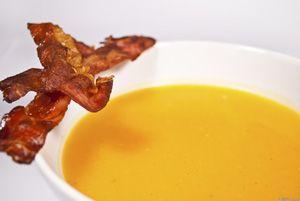 Sütőtök krémleves (II.) bacon chipssel ~ Receptműves