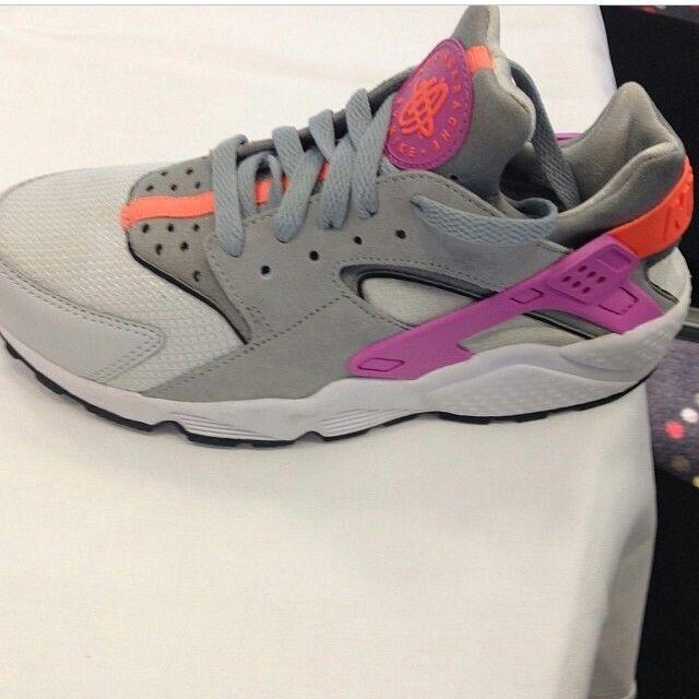 Women's Nike Huarache's releasing in 10days!
