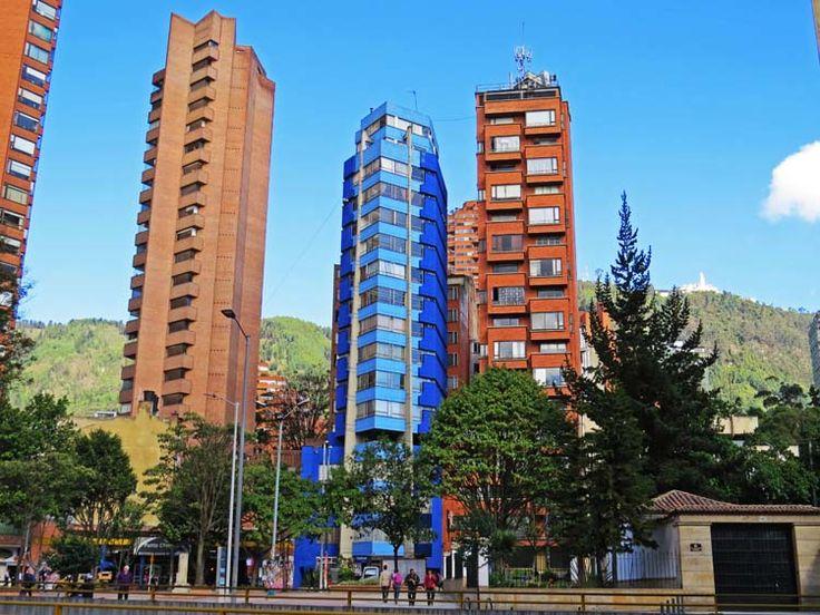 14. Edificios en frente del Hotel Crowne Plaza Tequendama