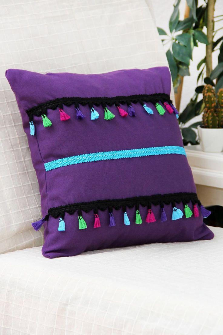 Mor, Püsküller ve Mavi Şeritli Yastık Kılıfı Gift Concept   Trendyol