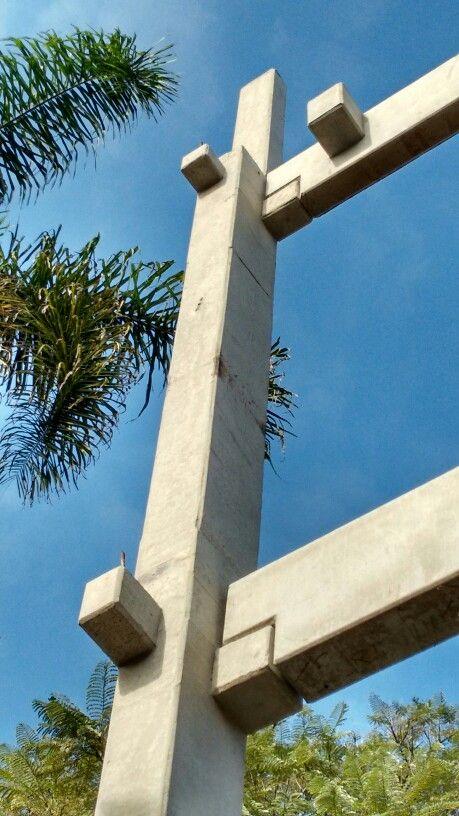 Detalhe do encaixe dessas peças de concreto pré moldado