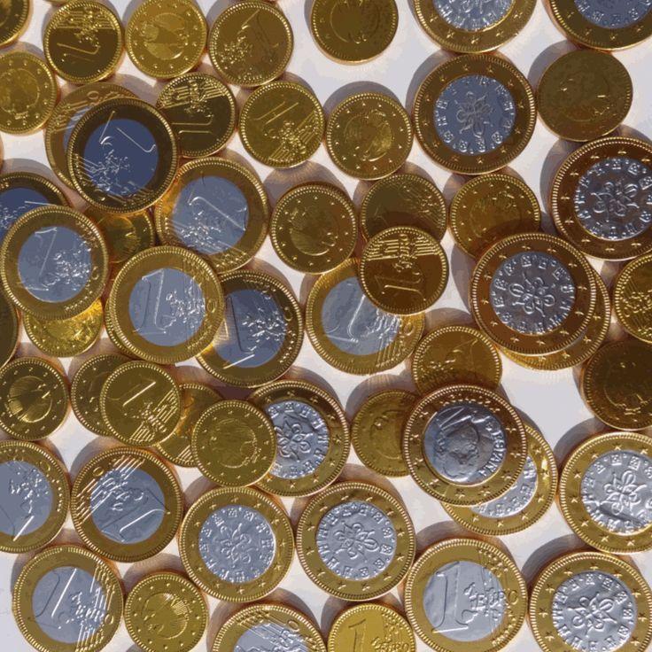 Wat is er leuker dan een schat die bestaat uit chocolade munten?? Leg aan het einde van een speurtocht een schatkist gevuld met chocolade munten neer en iedereen is blij.