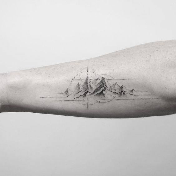 Histoire et origine du tatouage montagne