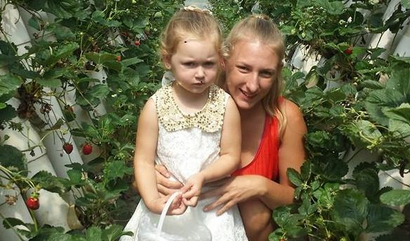 Young mum Amy suffered horrific burns to 50% of her body during a backyard accident. Support this devoted mother as she recovers in hospital. #itsMYCAUSE #crowdfunding #fundraising #mum #motherhood #mom #parent