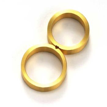 Patrick Malotki / Heart  Wedding set; Przepiękny komplet obrączek ślubnych z dyskretnie stworzonym motywem serca.
