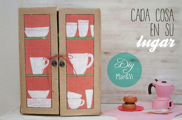 Un armario de cart n para la cocina de juguete manualidades - Armario para guardar juguetes ...