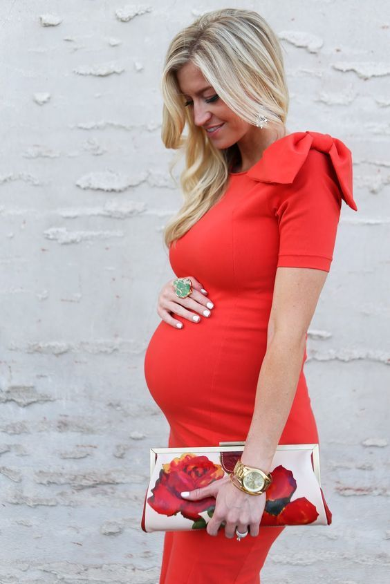Every girls strives to look good and attractive. It's hard when you're pregnant but we have adorable baby shower outfits to inspire you.