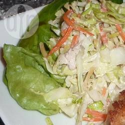 Salada de repolho, cenoura e passas @ allrecipes.com.br