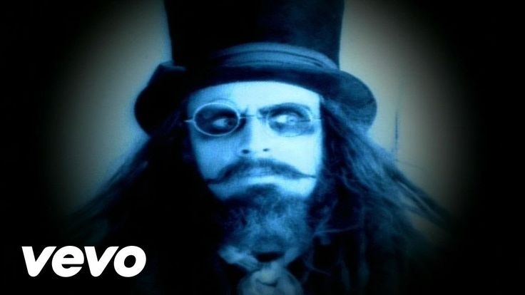 Rob Zombie - Living Dead Girl My favorite song by Rob Zombie!!!