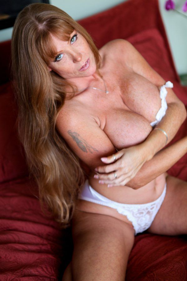 Free videos deepthroat milfs