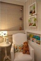 quarto de bebê safari com quadros 3d na parede