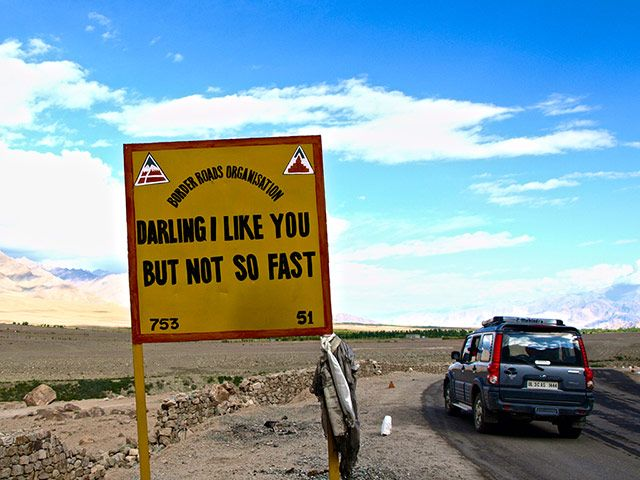 India road signs: Darling I like you