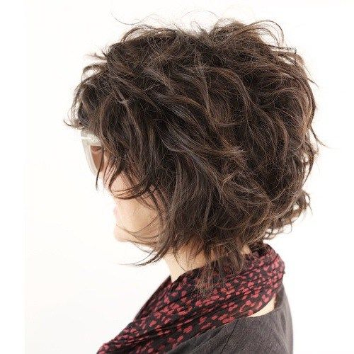 Short To Medium Tousled Hairstyle |  Get great fashion tips at 40plusstyle.com