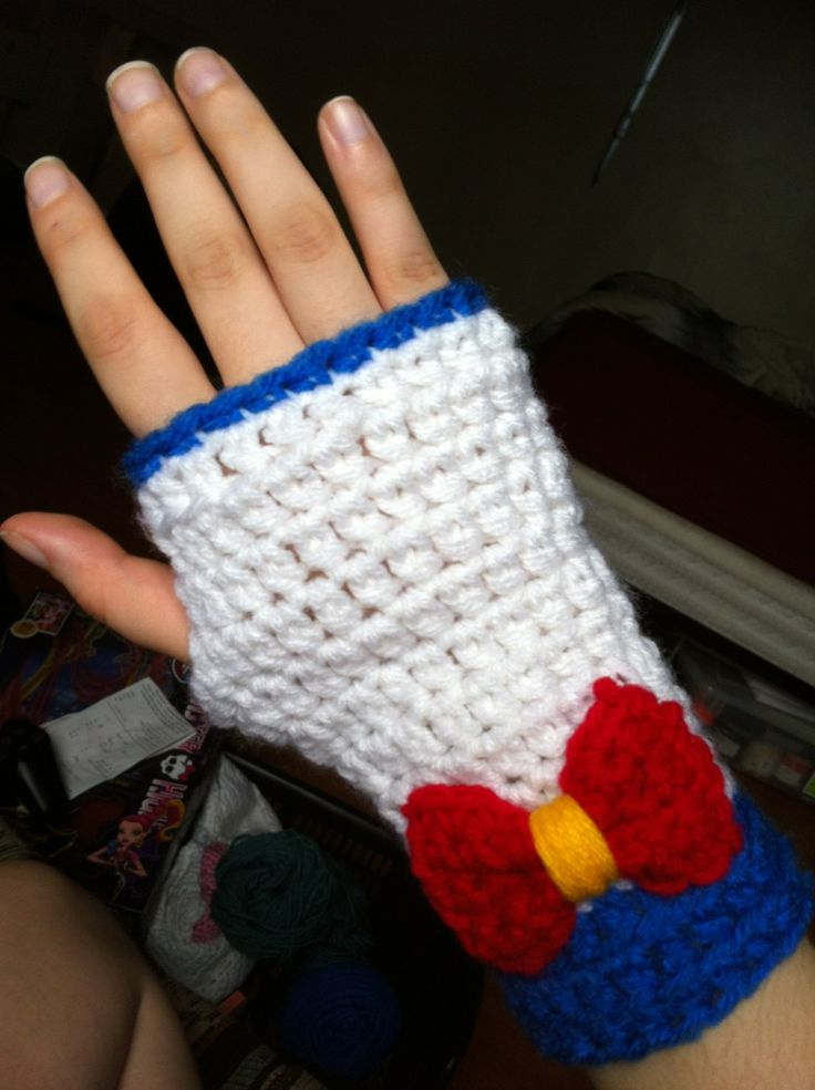 Sailor Moon Fingerless Gloves - I GUESS I could always just crochet myself into Sailor Mercury...