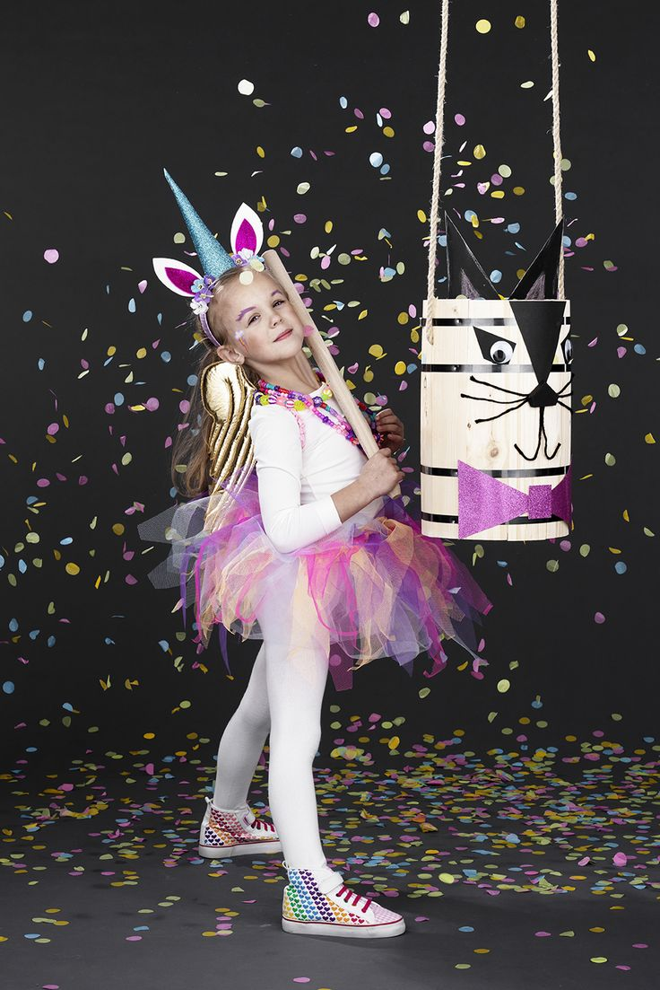 Fastelavn www.pandurohobby.com #panduro #diy #fastelavn #pinata #unicorn #enhörning #fastelavnstønde #maskerad #masquerade #halloween #utklädning #confetti #tyll #tyllkjol  #rainbow #rainbowdash #alicorn #tulle #enhjørning #panduro