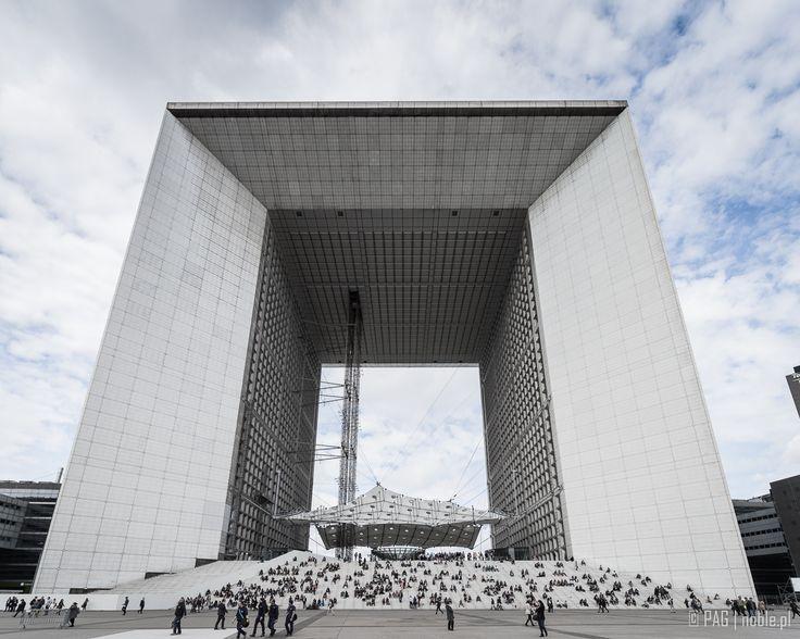 Lunch time at La Grande Arche de la Défense in the business district of La Défense of Paris, France