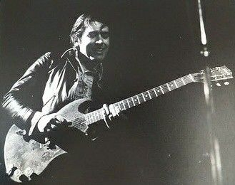 http://m.cafr.ebay.ca/itm/Original-Unique-Ferrys-guitarist-Chris-Spedding-Music-Photo-1970-Early-80s-/152293834592?hash=item23756b7f60%3Ag%3APAIAAOSwA3dYD6eG&_trkparms=pageci%253A3fd7092c-b7cb-11e6-9032-74dbd18092b1%257Cparentrq%253Aba9a53401580a78504389859ffe49e2a%257Ciid%253A13