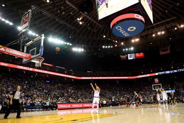 Golden State Warriors' Stephen Curry (30) makes a free throw after a technical foul by Chicago Bulls' Robin Lopez (42) in the first half of an NBA game at Oracle Arena in Oakland, Calif., on Friday, Nov. 24, 2017. (Ray Chavez/Bay Area News Group)