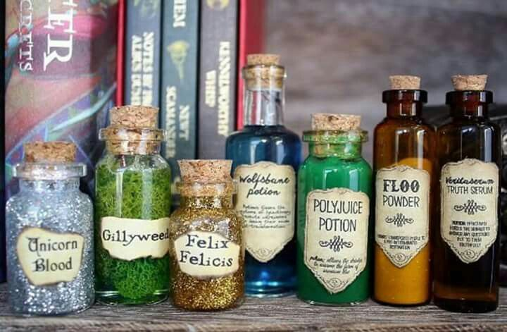 Easy DIY Spell/potion ingredients | Decorations for A Harry Potter Party!!! GLITTER