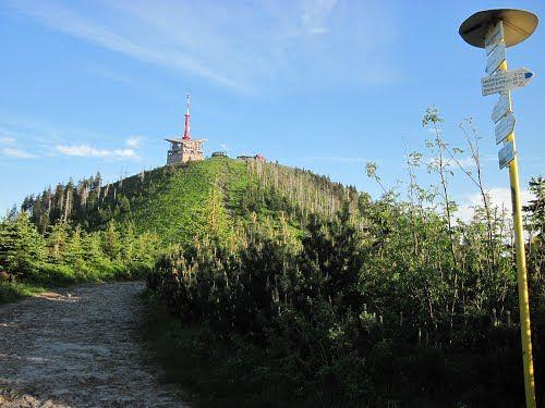 Zdroj: http://www.panoramio.com/photo/85234301, autor: , Lysá hora 1323 m n. m. -je nejvyšší vrch Moravskoslezských Beskyd s telekomunikační věží 78 m