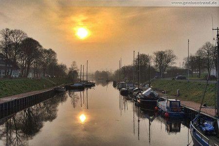 Wilhelmshaven, Sonnenaufgang im Rüstersieler Hafen