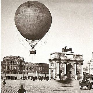 Ballon Giffard au dessus du Louvre (Paris Exposition Universelle, 1878)