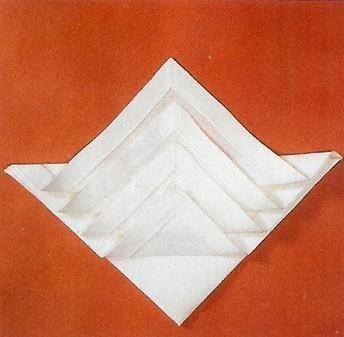 152 best images about pliages de serviettes on pinterest napkin folding fo - Pliage de serviette accordeon ...