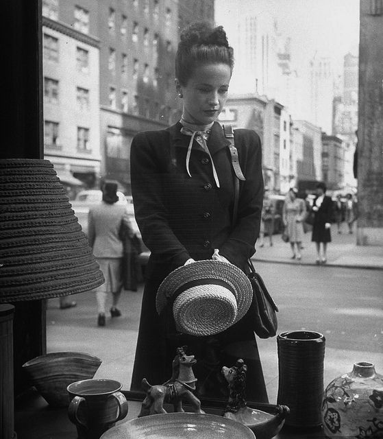 1945 -- A scene where Winnish sends Ann out into the city shopping. She's confused as to what she should buy.