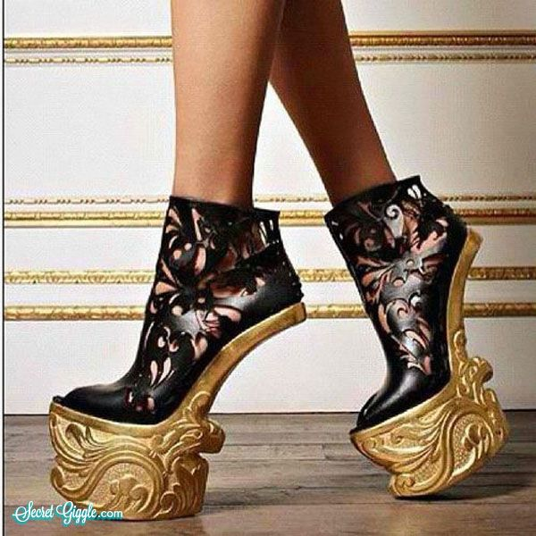 Insane and crazy high heels, do people actually wear these? (36 ...