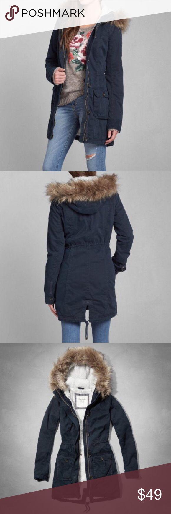 Abercrombie and Fitch navy fur hood coat sz m Abercrombie and Fitch navy coat. In size medium. With fur trim hood. Adjustable drawstring waist feature. Tech pocket inside. Abercrombie & Fitch Jackets & Coats Utility Jackets