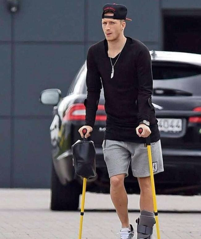 17 best images about mario goetze and marco reus on pinterest football player girlfriend. Black Bedroom Furniture Sets. Home Design Ideas