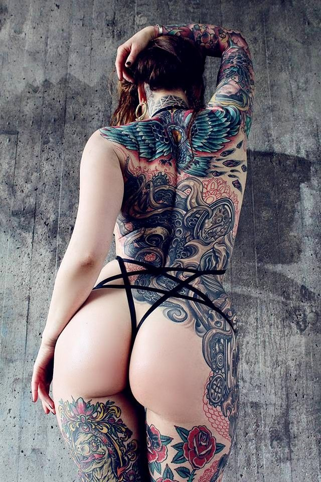 Girl ass tattoos — pic 14