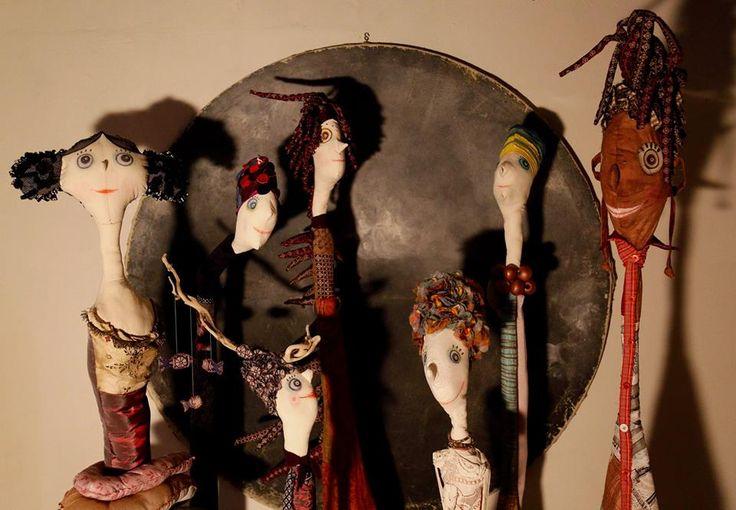 """Affascinanti Creature Artistiche """"Le Guardiane"""" di Michaela Kasparova  sculture in stoffe, legno e filo di ferro   #arte #creatività #regalo #idearegalo #ideeregalo #arredare #arredareconarte #gift #art #christmas"""