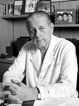 René Favaloro | Prestigious cardiac surgeon doctor, world renowned for being who performed the first heart bypass in the world | Argentina | 1923 - 2000