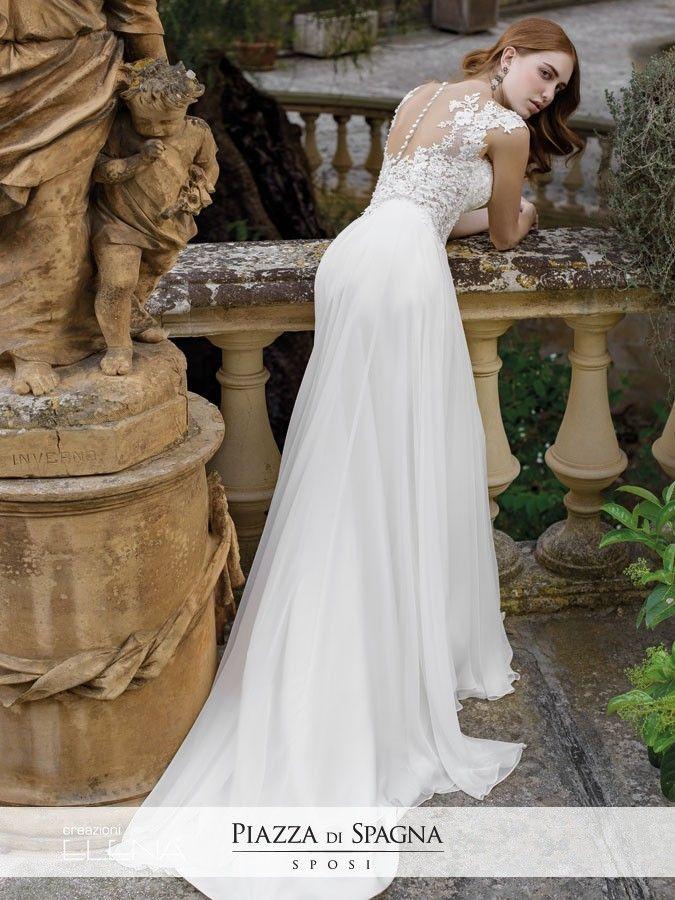 Con i suoi abiti da #sposa prestigiosi e raffinati, #CreazioniElena ha ciò che occorre per farti indossare il #matrimonio che sognavi. Scopri la #collezione2017 su http://www.piazzadispagnasposi.it/collezioni/sposa/creazioni-elena/