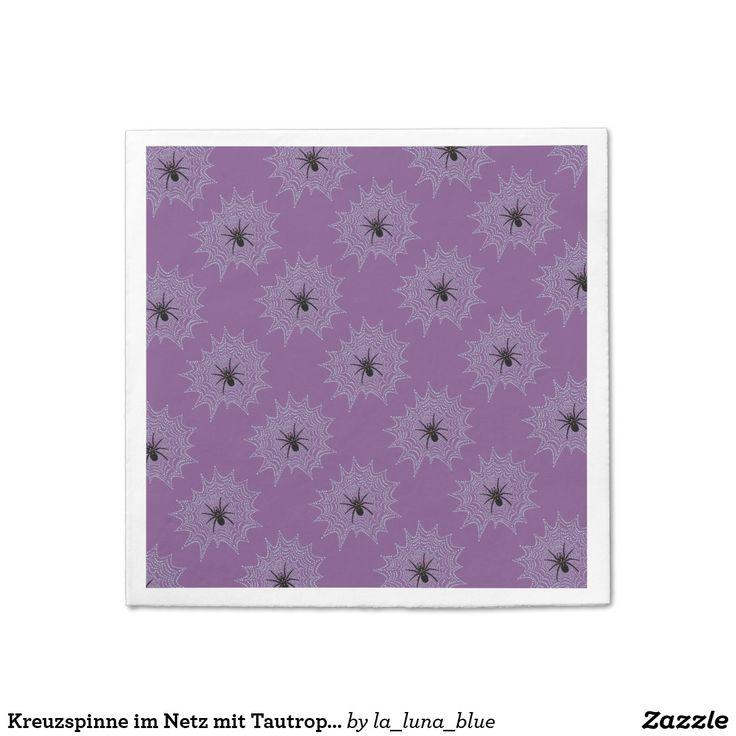 Kreuzspinne im Netz mit Tautropfen wie Perlen