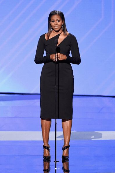 wOw!!! Michelle Obama Stuns In Black At The 2017 ESPYS Definition Of Black Dont Crack