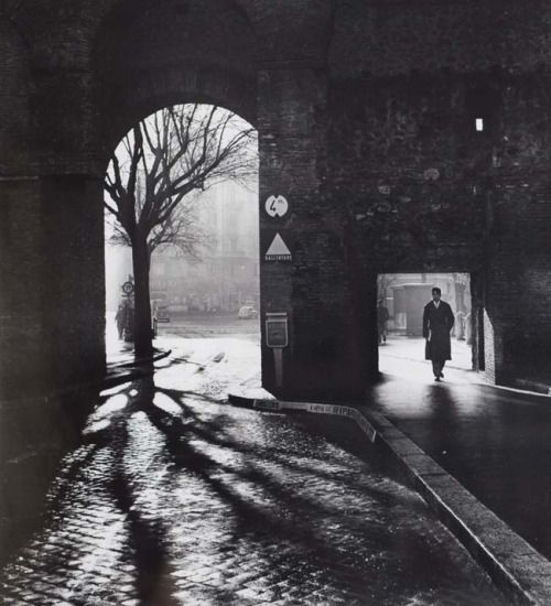 Mario DiGirolamo, Entering the Eternal City, Rome, 1958 (thanks to doegewooniets)