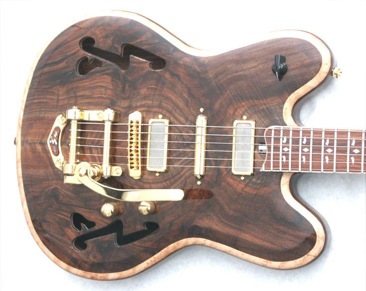 ToneSmith Guitars 320 Walnut