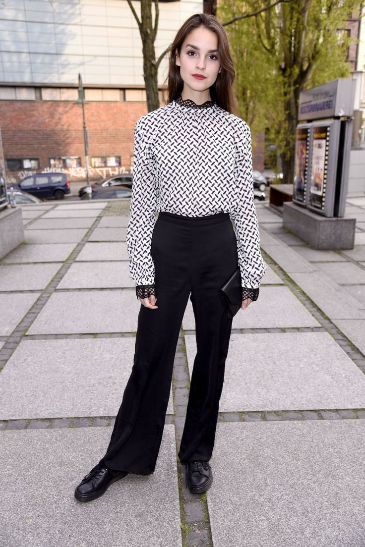 luise-befort-sex-pity-and-loneliness-screening-in-berlin-4-20-2017-1.jpg (1280×1920)