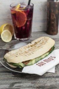Egy finom szendvicsebéd a Fat Mo's-ban