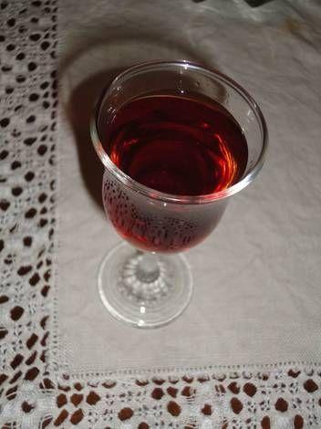 Licor de ciruelas rojas